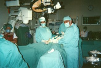 Dr. A. Larrad y Dr. H. Santos.